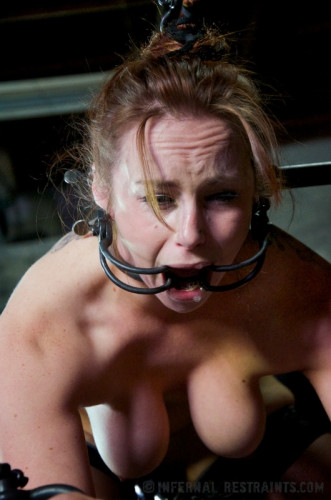Infernal Restraints - Return of the Panty Sniffing Perverts - Bella Rossi, Elise Graves