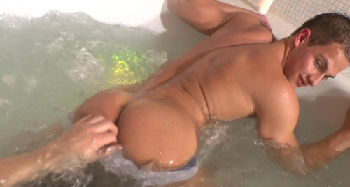Eastboys  -  Pierre Muscle Worship 3