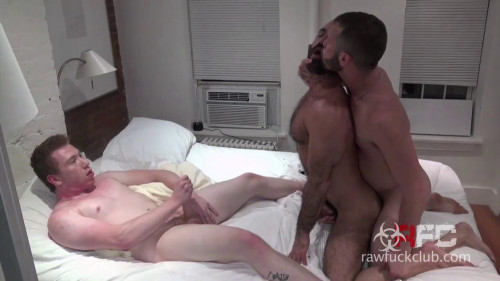 Muscled Gay Gets Spit Roasted