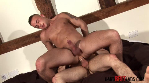 Tristan Jaxx and James Carter in Hung uncut muscle fuck