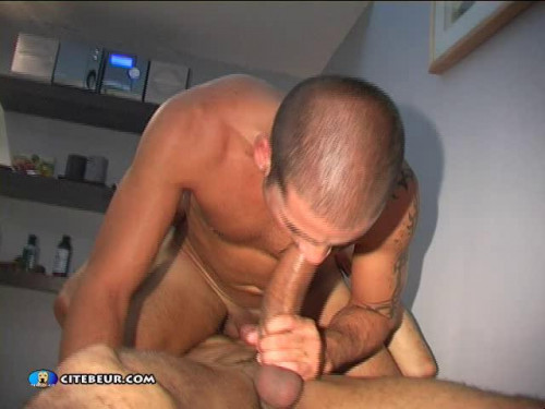 French gay oral sex with cumshot