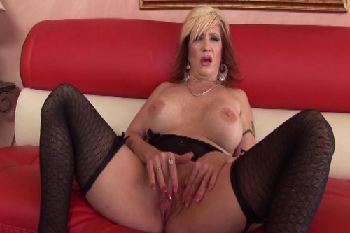 Cougars Who Love Black Dick
